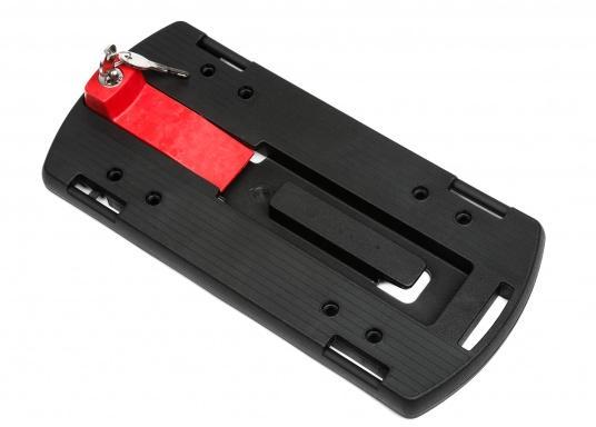 Die Gepäckträger-Adapterplatte GTA bildet eine ebene Ladefläche und dient gleichzeitig als Adapter für Körbe, Taschen und Boxen. Alle Teile sind über eine Zentralverriegelung abschließbar. In die seitlichen Schlitze können Taschen eingehängt werden.