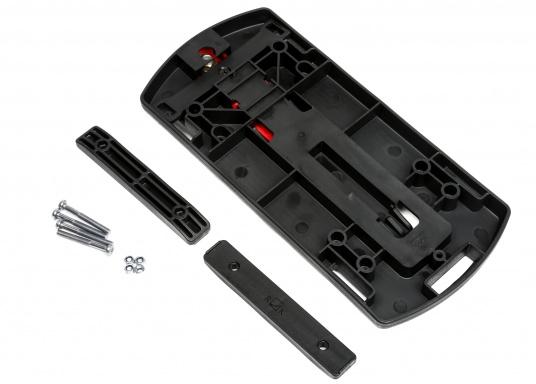 Die Gepäckträger-Adapterplatte GTA bildet eine ebene Ladefläche und dient gleichzeitig als Adapter für Körbe, Taschen und Boxen. Alle Teile sind über eine Zentralverriegelung abschließbar. In die seitlichen Schlitze können Taschen eingehängt werden. (Bild 2 von 3)