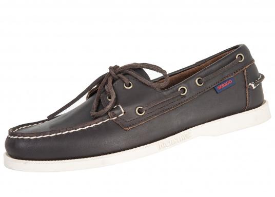 """DAS Original. Der handgenähte, klassische DOCKSIDES® von Sebago® steht seit Jahrzehnten als Synonym für Bootsschuhe nach """"Mokassin-Bauform""""."""