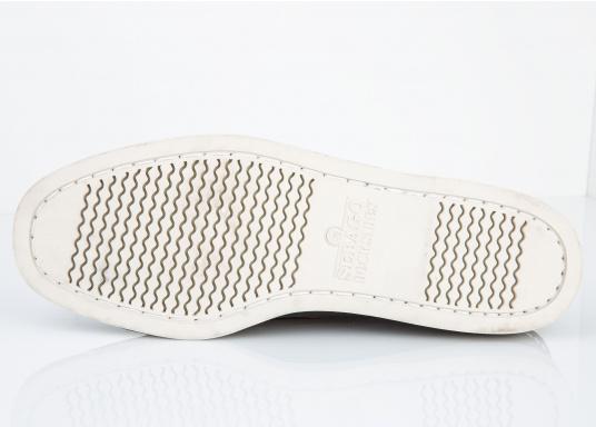 """DAS Original. Der handgenähte, klassische DOCKSIDES® von Sebago® steht seit Jahrzehnten als Synonym für Bootsschuhe nach """"Mokassin-Bauform"""". (Bild 6 von 6)"""