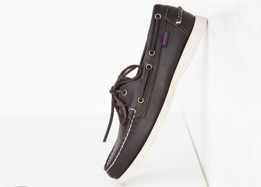 """DAS Original. Der handgenähte, klassische DOCKSIDES® von Sebago® steht seit Jahrzehnten als Synonym für Bootsschuhe nach """"Mokassin-Bauform"""". (Bild 2 von 6)"""