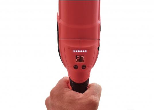 Die Profi-Poliermaschine überzeugt mit noch mehr Leistung und ist speziell zum polieren von lackierten Flächen und GFK Rümpfen geeignet. Die 1500 Watt starke Winkelmaschine ist sowohl für Links- als auch Rechtshänder geeignet und verfügt über eine Drehzahlvorwahl und einen sogenannten Sanftanlauf. (Bild 6 von 8)