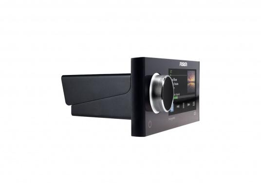 Das neue Marine Entertainment Radio MS-RA770 der Apollo Serie von FUSION bietet ein optimal abgestimmtes Soundprofil, Vielseitigkeit und Komfort. Das funktionelle Upgrade erlaubt Ihnen bis zu 12 seperat angesteuerte Lautsprecherpaare anzuschließen. Schnittstellen:Bluetooth, WiFi, NMEA2000, Ethernet RJ45 und USB. (Bild 7 von 8)