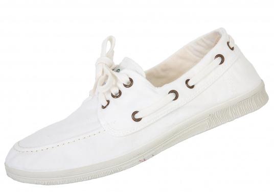 Der leichte Damenschuh Nautico Tintado ist perfekt für die Freizeit geeignet! Die 3-Loch Schnürung sorgt für ein bequemes an und - ausziehen der Schuhe und für einen festen Sitz. Farbe: weiß