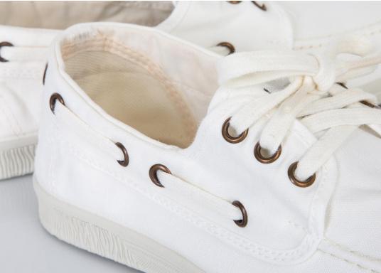 Der leichte Damenschuh Nautico Tintado ist perfekt für die Freizeit geeignet! Die 3-Loch Schnürung sorgt für ein bequemes an und - ausziehen der Schuhe und für einen festen Sitz. Farbe: weiß (Bild 6 von 7)