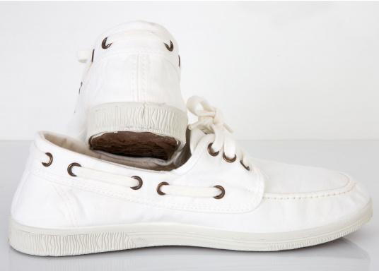 Der leichte Damenschuh Nautico Tintado ist perfekt für die Freizeit geeignet! Die 3-Loch Schnürung sorgt für ein bequemes an und - ausziehen der Schuhe und für einen festen Sitz. Farbe: weiß (Bild 5 von 7)