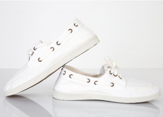 Der leichte Damenschuh Nautico Tintado ist perfekt für die Freizeit geeignet! Die 3-Loch Schnürung sorgt für ein bequemes an und - ausziehen der Schuhe und für einen festen Sitz. Farbe: weiß (Bild 2 von 7)