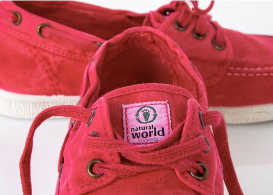 Der leichte Damenschuh Nautico Einzimatico ist perfekt für die Freizeit geeignet! Durch die 3-Loch Schnürung, lässt sich der Schuh komfortabel an- und ausziehen und bietet gleichzeitig einen festen Sitz. Farbe: magenta (Bild 2 von 6)