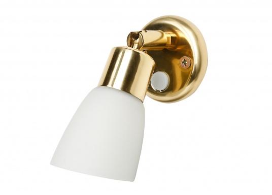 Zeitlos schöne Innenlampe, hergestellt aus polierten Messing mit weißemEchtglasschirm.