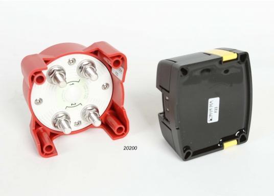 Das Upgrade für Ihre Schalt- und Ladesysteme. ADD A BATTERY erlaubt den Anschluss einer zweiten Batterie, vereinfacht das Umschalten und automatisiert den Ladevorgang. Verwendbar mit Generatoren mit120 Ampere. (Bild 5 von 8)