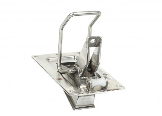 Stabiles, aus rostfreiem Edelstahl hergestelltes Selbstlenz-Ventil SUPER MINI SPEZIAL für den Einbau in Regatta-Dinghies, Jollen, offenen Booten, Motorgleitern etc. (Bild 2 von 4)