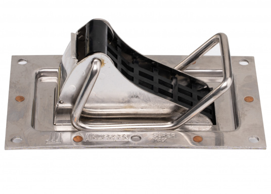 Sturdy, SUPER MAXself-draining valve, made of stainless steelfor installation in dinghies, open boats, motor gliders etc. Suitable for hulll thickness of 6 mm and more. (Image 4 of 5)