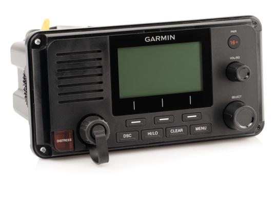 Die Kommunikation ist auf dem Wasser entscheidend. Das fest montierte UKW Seefunkgerät215i von Garmin ermöglicht mit Hilfe der eingebauten GPS- und AIS-Empfänger, sowie einer Sendeleistung von 25 W zwischen Ihnen und anderen Schiffsführern auf der ganzen Welt die Kommunikation und das Situationsbewusstsein zu verbessern. (Bild 2 von 6)