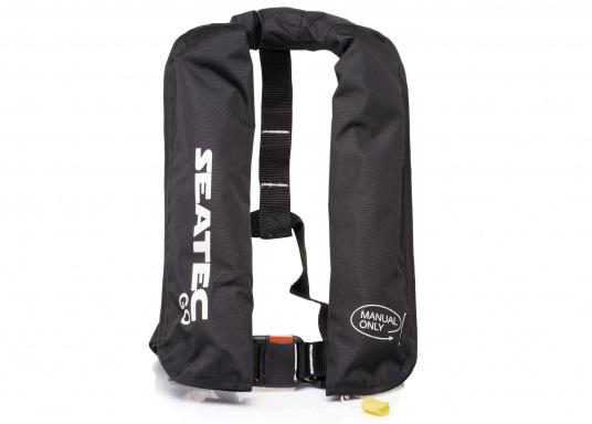 Die neue Rettungsweste GO von Seatec ist mit einem manuellen Auslöser ausgestattet und somit optimal für Wassersportarten, wie z.B. Kanu- oder Kajakfahren geeignet. Farbe: schwarz. (Bild 6 von 11)