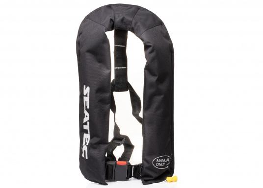 Die neue Rettungsweste GO von Seatec ist mit einem manuellen Auslöser ausgestattet und somit optimal für Wassersportarten, wie z.B. Kanu- oder Kajakfahren geeignet. Farbe: schwarz. (Bild 5 von 11)