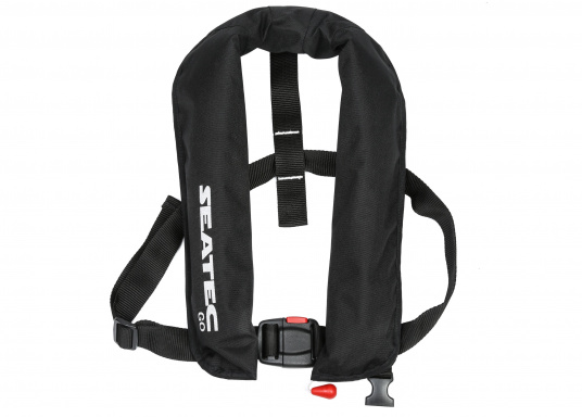 The new GO lifejacket from Seatec is fitted with an automatic trigger and is extremely comfortable to wear. (Image 2 of 4)