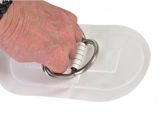 D-Ringe mit Handgriff für Ihr SEATEC Schlauchboot. Farbe: weiß. Abmessungen: 25 x 13,5 cm. (Bild 2 von 2)