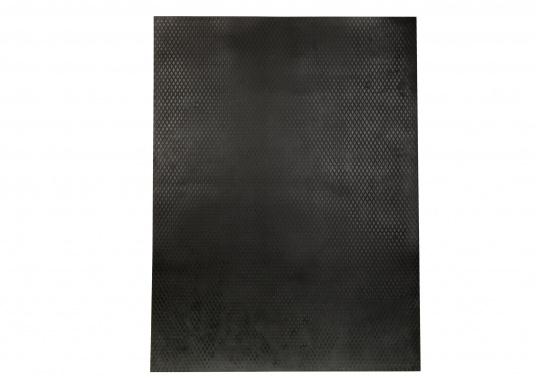 Ce revêtement anti-dérapant en composite caoutchouc / liège est disponible en noir.  (Image 2 de 3)