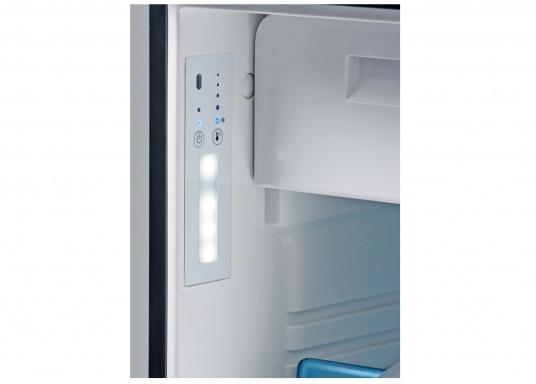 Nouveauxréfrigérateurs 3-en-1 ! Ces nouveaux réfrigérateurs à compresseur de la gamme CoolMatic CRX sont extrêmement polyvalents. Un compartiment freezer est aisément amovible, pour gagner de l'espace dans le réfrigérateur.   (Image 4 de 5)