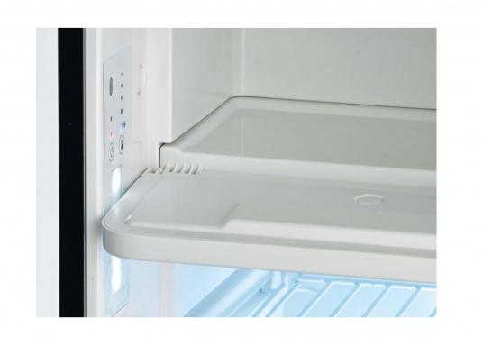 Nouveauxréfrigérateurs 3-en-1 ! Ces nouveaux réfrigérateurs à compresseur de la gamme CoolMatic CRX sont extrêmement polyvalents. Un compartiment freezer est aisément amovible, pour gagner de l'espace dans le réfrigérateur.   (Image 5 de 5)
