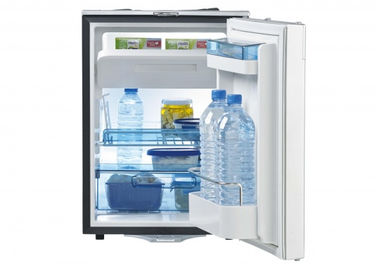 Die neuen 3-in-1 Kühlschränke! Die Kompressorkühlschränke der neuen CoolMatic CRX Serie sind geniale Verwandlungskünstler. Das Gefrierfach lässt sich ganz einfach herausziehen, um Platz zu schaffen für einen größeren Kühlraum.  (Bild 2 von 5)