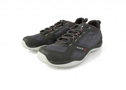 La chaussure de pont pour les sportifs à bord. La semelle de très haute tenue et antidérapante de Gill vous permet de les utiliser par toutes les conditions de temps. facile à chausser et à enlever. Plusieurs pointures sont disponibles. Couleur : graphite (Image 2 de 5)