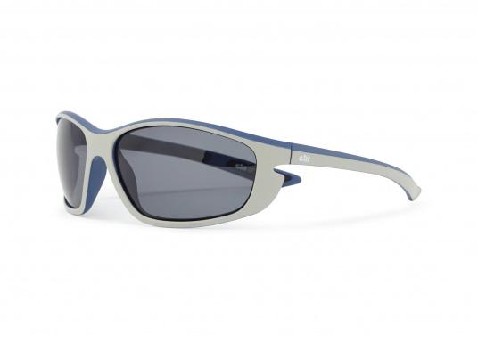 Die Sonnenbrille CORONA besteht aus UV-beständigen und 100% blendfreien, polarisierten Linsen. Des Weiteren überzeugt die Sonnenbrille durch die Funktion zu schwimmen. Farbe: silber.