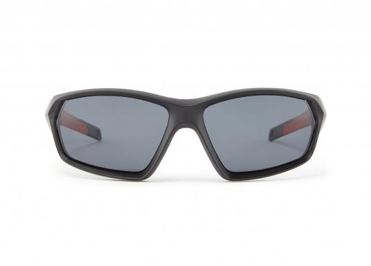 Die Sonnenbrille MARKER von Gill verfügt über eine modische Optik, die Fähigkeit zu schwimmen und bietet einen 100%-igen UV-Schutz. Farbe: schwarz. (Bild 2 von 4)