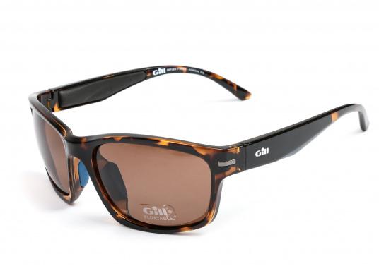 Die Sonnenbrille REFLEX II von Gill vereint Komfort und Stil!Helles Licht wird von den hochwertigen Gläsern blockiert, ohne dabei die Farben zu verfälschen und der Blendeffekt sowie die Spiegelungen werden als nicht mehr störend empfunden.Zusätzlich bietet die Sonnnebrille einen UV-Schutz von 400+.Farbe: matt-tortise.