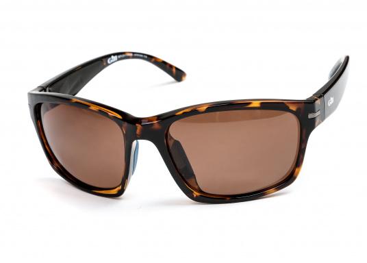 Die Sonnenbrille REFLEX II von Gill vereint Komfort und Stil!Helles Licht wird von den hochwertigen Gläsern blockiert, ohne dabei die Farben zu verfälschen und der Blendeffekt sowie die Spiegelungen werden als nicht mehr störend empfunden.Zusätzlich bietet die Sonnnebrille einen UV-Schutz von 400+.Farbe: matt-tortise. (Bild 5 von 5)