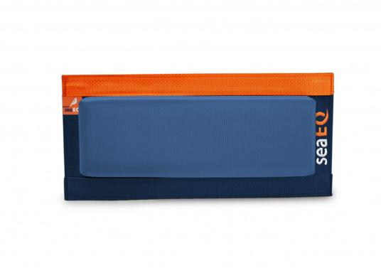 Mit den SeaEQ Langfendern schützen Sie Ihr Boot und Ihren Liegeplatz optimal vor Beschädigungen. Erhältlich in verschiedenen Größen: 40/10, 80/10 und 110/10.