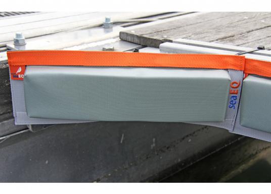 Mit den SeaEQ Langfendern schützen Sie Ihr Boot und Ihren Liegeplatz optimal vor Beschädigungen. Erhältlich in verschiedenen Größen: 40/10, 80/10 und 110/10. (Bild 3 von 8)