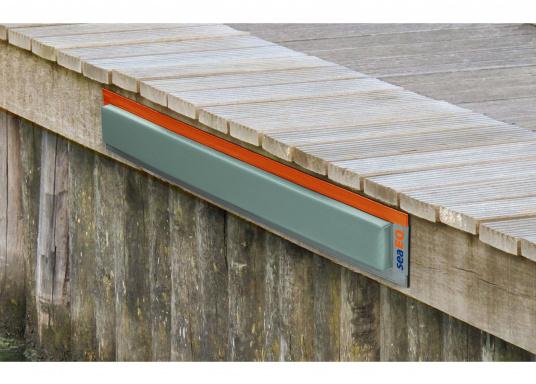 Mit den SeaEQ Langfendern schützen Sie Ihr Boot und Ihren Liegeplatz optimal vor Beschädigungen. Erhältlich in verschiedenen Größen: 40/10, 80/10 und 110/10. (Bild 8 von 8)