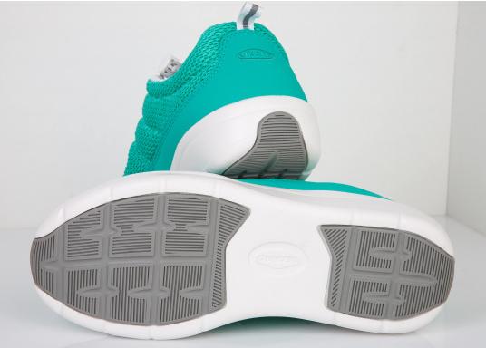 Ein superleichter Boots-Sneaker mit der Gummi Grip Sohlen Technologie von LIZARD bietet hervorragenden Halt auf jeder Oberfläche. Material: Mesh, Mikrofaser. Farbe: pool blau (Bild 5 von 6)