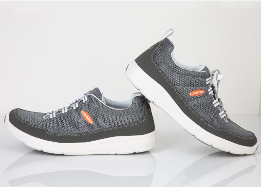 Ein superleichter Boots-Sneaker mit der Gummi Grip Sohlen Technologie von LIZARD bietet hervorragenden Halt auf jeder Oberfläche. Material: Mesh, Mikrofaser. Farbe: grau (Bild 3 von 4)