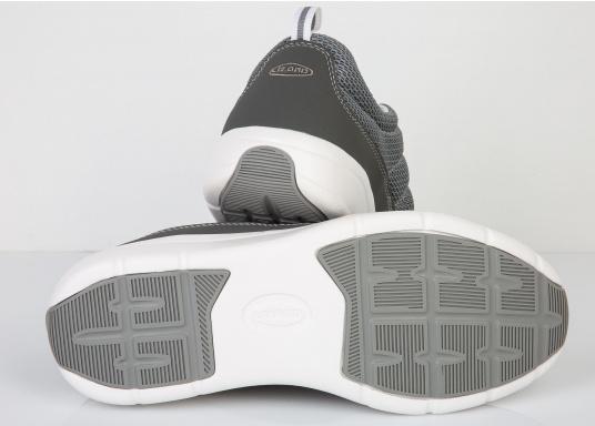 Ein superleichter Boots-Sneaker mit der Gummi Grip Sohlen Technologie von LIZARD bietet hervorragenden Halt auf jeder Oberfläche. Material: Mesh, Mikrofaser. Farbe: grau (Bild 4 von 4)