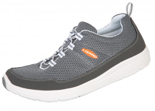 Ein superleichter Boots-Sneaker mit der Gummi Grip Sohlen Technologie von LIZARD bietet hervorragenden Halt auf jeder Oberfläche. Material: Mesh, Mikrofaser. Farbe: grau