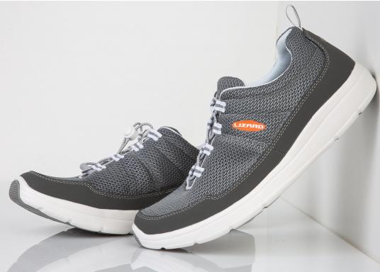Ein superleichter Boots-Sneaker mit der Gummi Grip Sohlen Technologie von LIZARD bietet hervorragenden Halt auf jeder Oberfläche. Material: Mesh, Mikrofaser. Farbe: grau (Bild 2 von 4)