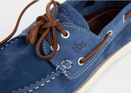 Ein authentischer und stylischer TBS-Decksschuh. Die patentierte Technigrip®-Sohle bietet den optimalen Halt und Wiederstandfähigkeit. Trotz der soliden Sohle, bleibt der Schuh flexibel und angenehm zu tragen. Farbe: cobalt blau. Erhältlich in den Größen: 41 - 46. (Bild 5 von 5)