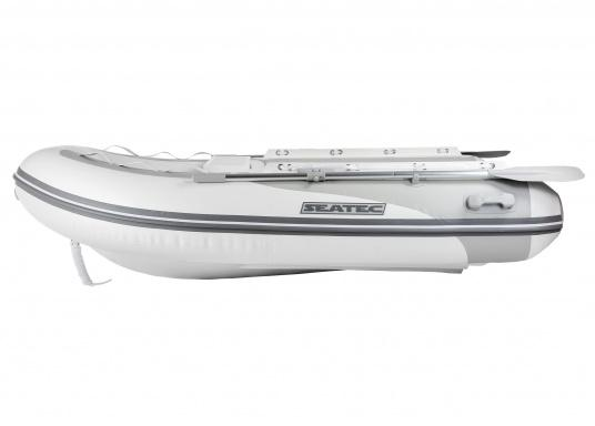 Die neuen Festrumpfschlauchboote der Serie PRO TENDER von SEATEC sind nicht nur als Beiboot ideal, sondern auch bestens für Ausflugsfahrten und Angeltouren einsetzbar.