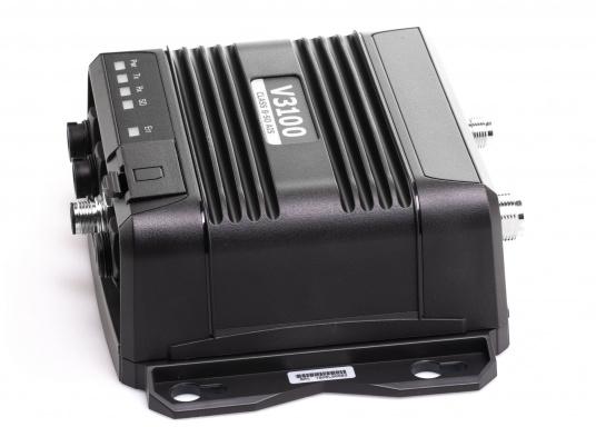 Größere Reichweite und zuverlässige Übertragung! Der AIS SOTDMA Transponder V3100 von NAVICO verfügt über eine Vielfalt an Möglichkeiten der Konnektivität und überzeugt mit einermehr als doppelt so hohen Übertragungsleistung, alsherkömmliche Klasse B Transponder. (Bild 3 von 5)