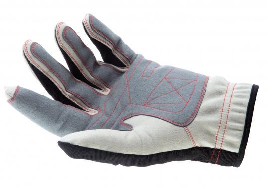 Der Handschuh DECKHAND wurde aus hochwertigem Ziegenleder hergestellt und ist mit Stretch-Einsatz am Handrücken, verstellbarem Klettverschluss am Handgelenk und verstärkten Handflächen ausgestattet. Version: mit Finger.