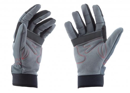 Die perfekte Balance zwischen Grip und Haltbarkeit. Der Handschuh 4 SEASONS besteht aus Neopren und Amara und ist mit einer nahtlosen Fingerkonstruktion und Polsterungen an den Handflächen ausgestattet. Für verlässliche Funktion bei feuchten und trockenen Bedingungen. (Bild 4 von 6)