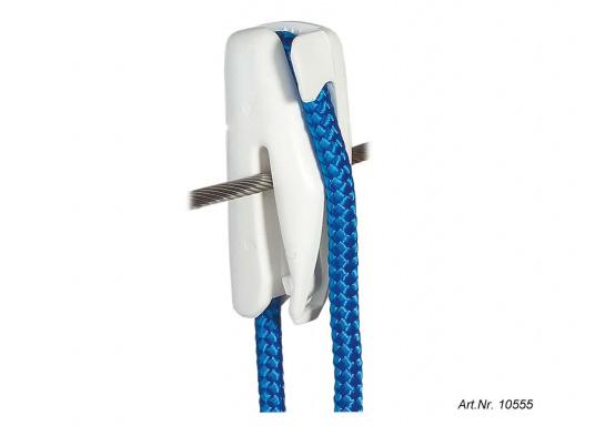 Einfache Handhabung! Dieser robuste Fenderhalter aus Kunststoff ist für die Befestigung an einem Drahtseil geeignet.Lieferung paarweise.