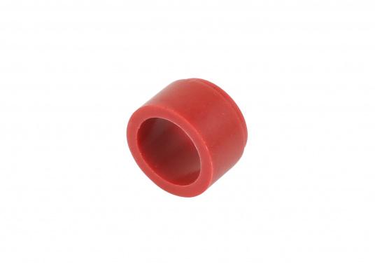 Die wasserdichte 4-polige Kabelverbindung sorgt speziell unter rauen maritimen Umgebungsbedingungen für eine sichere Leitungsverbindung. Das Gehäuse besteht aus einem hochwertigen glasfaserverstärkten Kunststoff und es ist somit optimal für den Einsatz an Bord geeignet. (Bild 12 von 12)