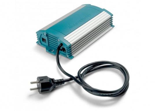Effektivität und Langlebigkeit! Mit dem ChargeMaster 12/15-2 von Mastervolt wird Ihnen eine schnelle und vollständige Aufladung Ihrer Batterien garantiert. Der innovative 3-stufige Ladeprozess sorgt zudem für eine höhere Leistung. (Bild 2 von 2)