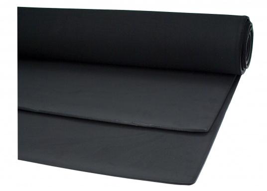 Witterungs- und alterungsbeständige Zellkautschuk-Plattenware, lieferbar alsPlattenware. Erhältlich in unterschiedlichen Stärken.