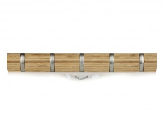 Stilvolles Design aus Bambus mit fünf einklappbaren Metall-Kleiderhaken. Rückseitige Befestigung.  (Bild 2 von 4)