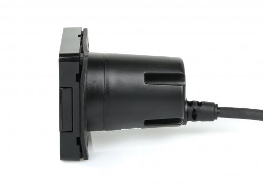Das SD-Kartenlesegerät RCR von Raymarine verfügt über einen externen microSD-Steckplatz sowie eine USB-Buchse. Passend für die Axiom und Axiom Pro Serie von Raymarine. Kabellänge: 1 m. (Bild 3 von 4)