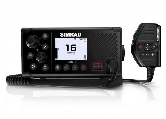 Das UKW SeefunkgerätRS40 von SIMRAD verfügt über eine integrierte GPS-Antenne, einen integrierten AIS-Empfänger und überzeugt mit vielseitiger Konnektivität. Ein großes Display mit intuitiver Benutzeroberfläche sorgt für eine übersichtliche und einfache Bedienung.Optisch wurde das Display an das Design der SIMRAD Multifunktionsdisplays angepasst. (Bild 2 von 3)